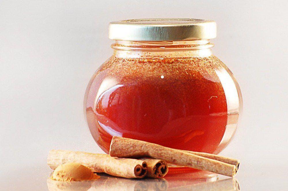 Инструкции по приготовлению и использованию масок для волос с медом и корицей