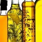 Самые полезные масла для волос: правила подбора и применения